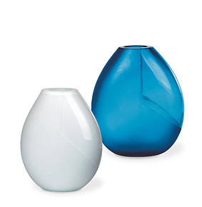 Crystal vase blue satin